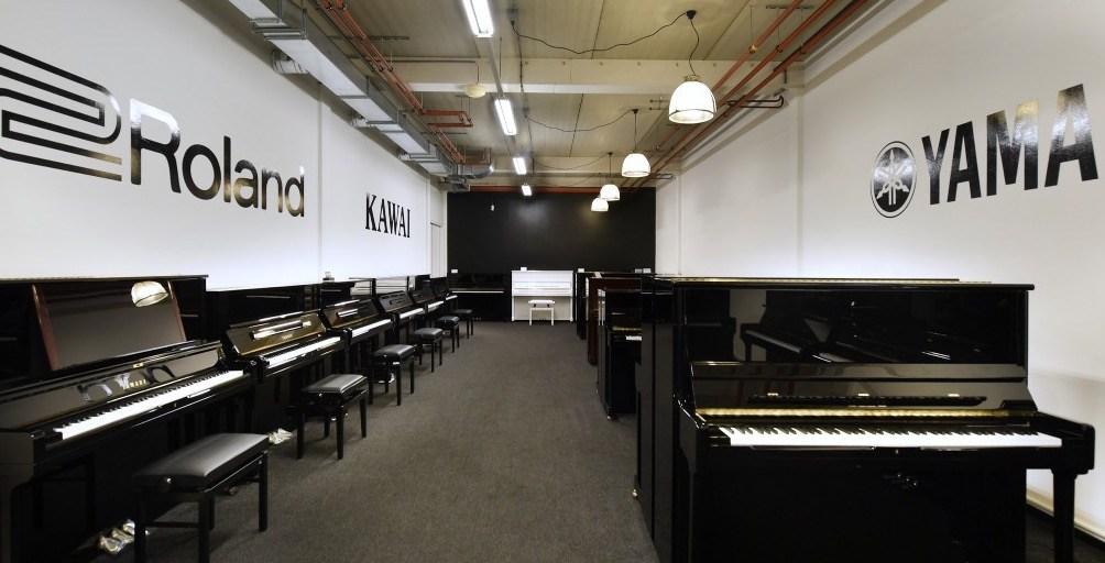 Piano's Maene Alkmaar showroom piano's