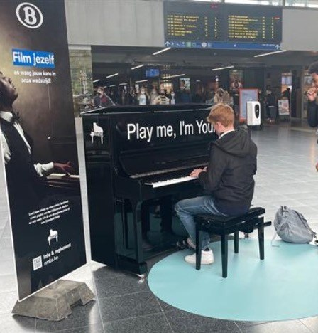 Play me I'm Yours - Maene