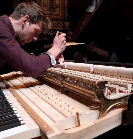 Piano intoneren